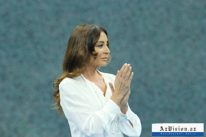 Mehriban Əliyeva onlara medal verdi - FOTOLAR