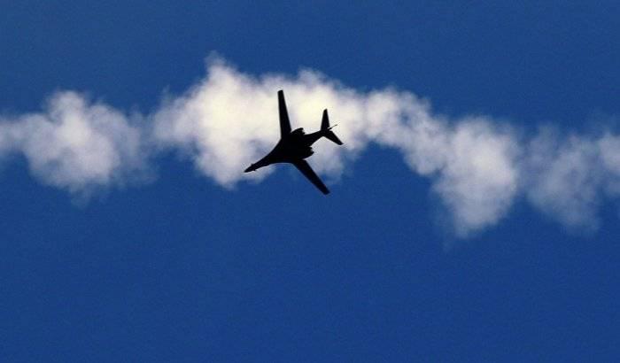 Bombarderos de EEUU sobrevuelan las costas de Corea del Norte como una demostración de fuerza