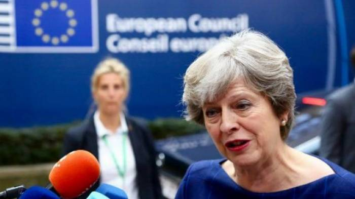 """Brexit : May demande à l'UE de lui donner un accord qu'elle puisse """"défendre"""" devant les Britanniques"""
