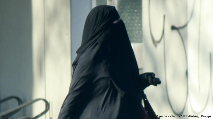 Show your faces or be fined, Austrian government tells Muslim women