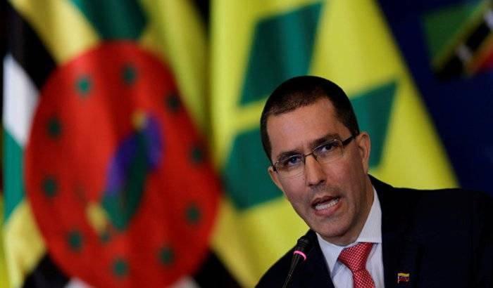 Canciller venezolano entrega nota de protesta a 12 países que firmaron declaración de Lima