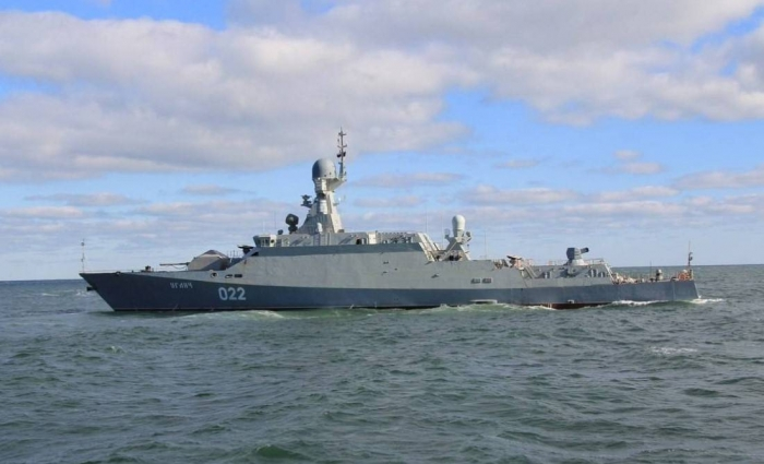 Ships of Caspian flotilla train to repair holes
