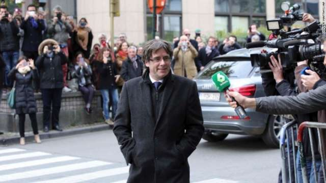 Spanish court orders detention of 8 former Catalan ministers