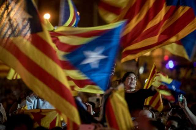 Spain suspends Catalan parliament as it was due to declare independence