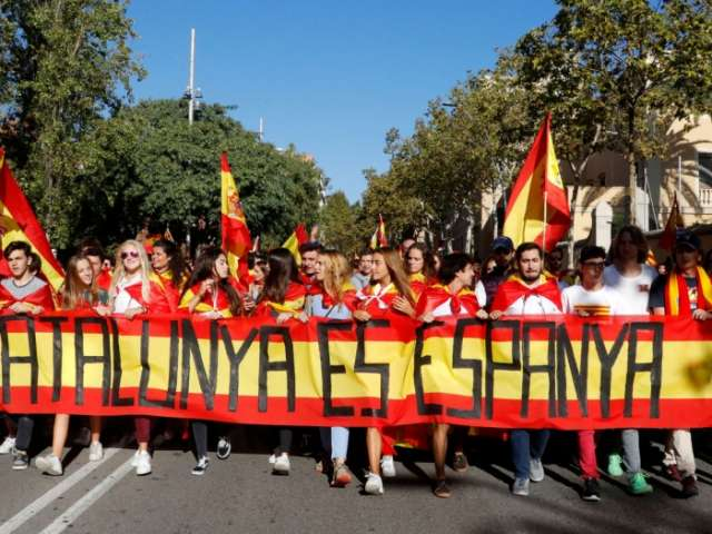 Tight security in Barcelona ahead of Catalan independence announcement