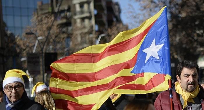Multan con 600 euros a un juez por criticar las cargas policiales en el referéndum catalán