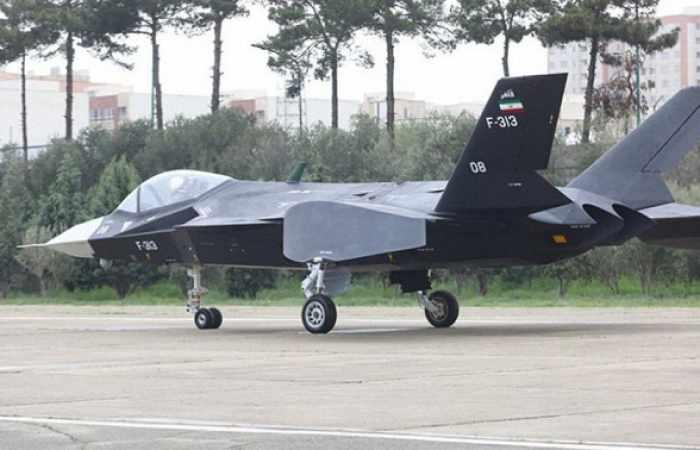 La  caza moderno Qaher F-313 de Iran