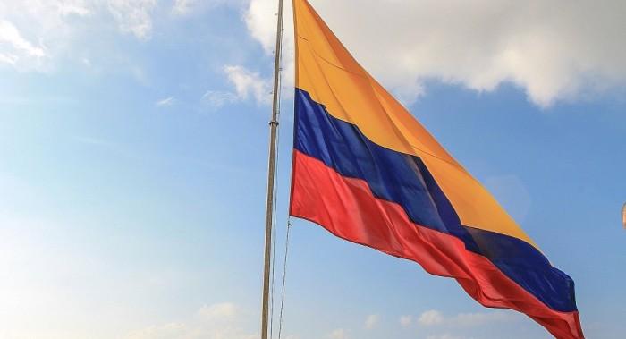 Presidente de Colombia nombra a Juan Camilo Restrepo como negociador jefe con el ELN