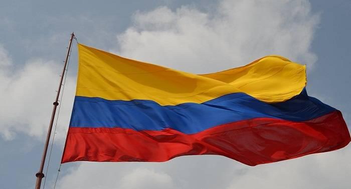 Colombianos marchan contra la violencia y el terrorismo tras atentado en Bogotá