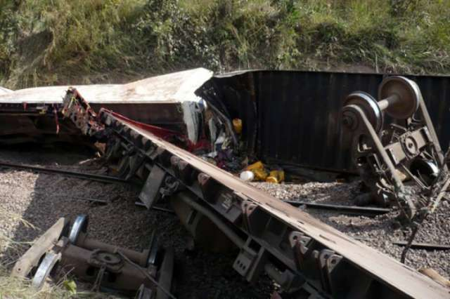 Up to 33 killed as DR Congo train carrying fuel derails