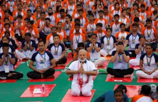 Yoga on ice: India to offer classes during Davos summit