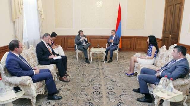 """""""Estamos comprometidos con el formato del Grupo de Minsk"""" - Embajador de EE.UU"""