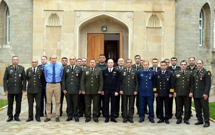 NATO Azərbaycan hərbçilərinə təlim keçir