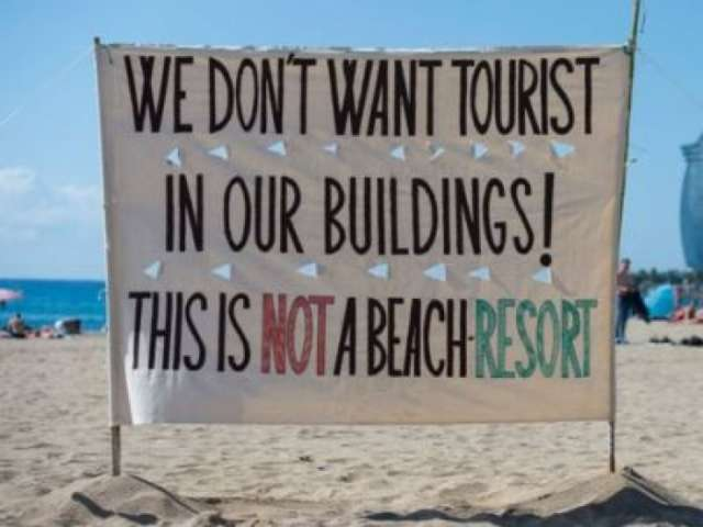 Barcelona residents are against tourists