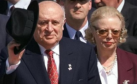 Former Turkish president`s spouse died