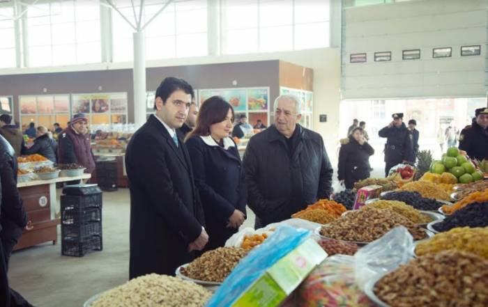 Deputatlar bazar qiymətləri ilə tanış oldular