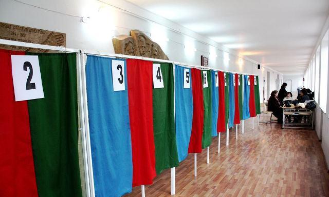 Namizədliyi qeydə alınan deputatların sayı 70-ə çatdı