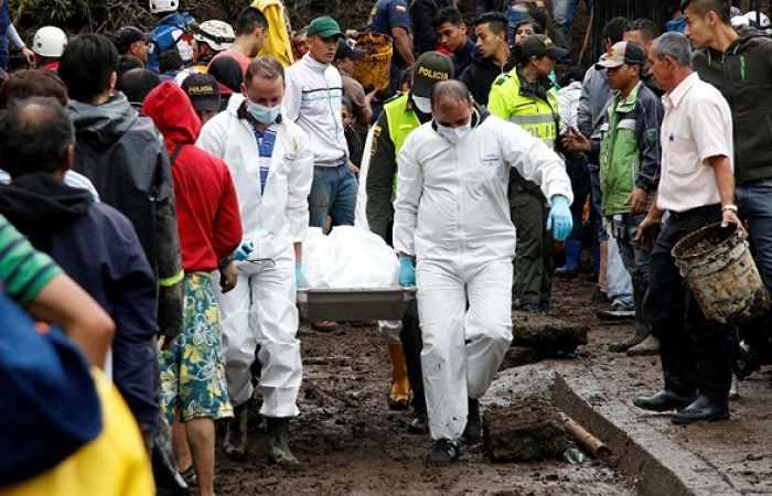 Aumenta a 16 el número de muertos por derrumbes en Colombia