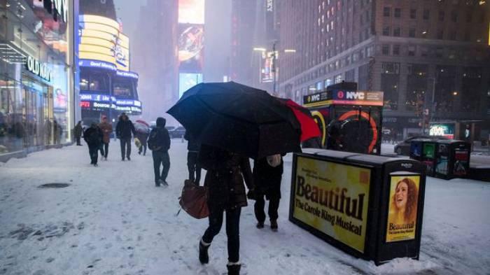 Les villes de New York et Boston paralysées par une tempête de neige
