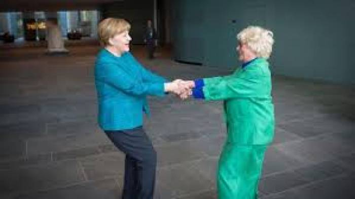 Merkel dreht sich im Kreis