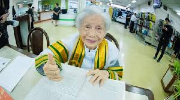 91-Jährige schafft Uni-Abschluss