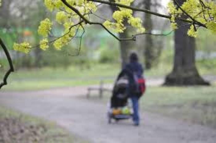 19-Jährige nimmt Mutter das Baby weg und flüchtet 250 Kilometer