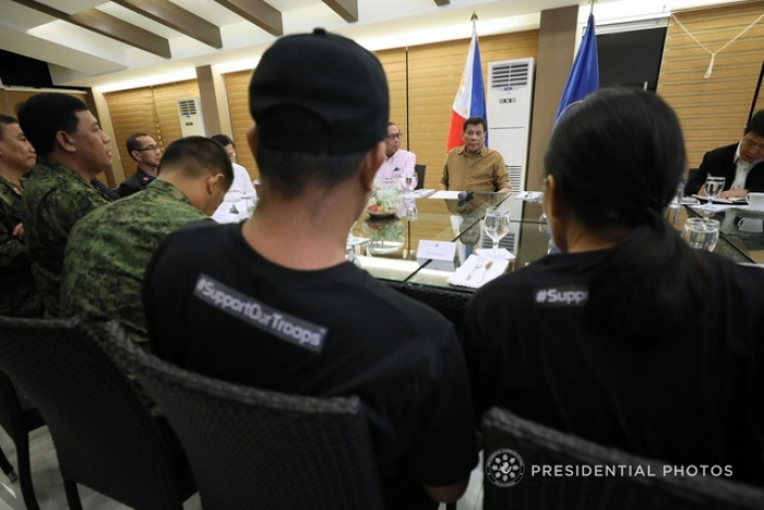 Duterte to military, police: Shoot me if I extend my term