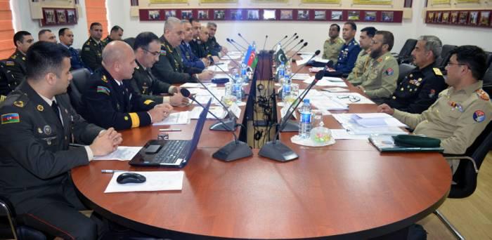 Azərbaycanla Pakistan arasında hərbi danışıqlar aparılır