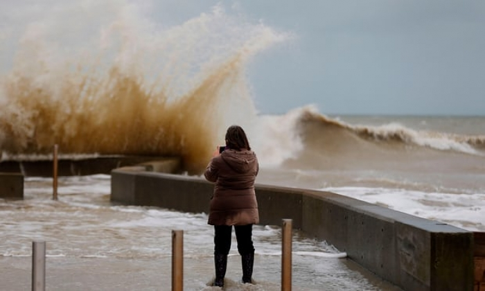 Fires and avalanche alerts as Storm Eleanor batters Europe