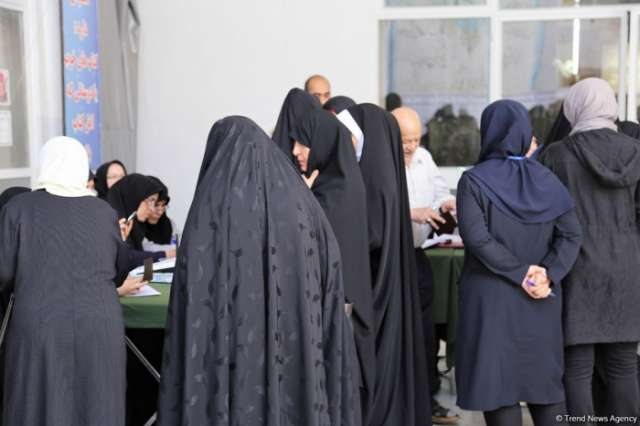 Iran presidential elections: Voting hours extended for second time