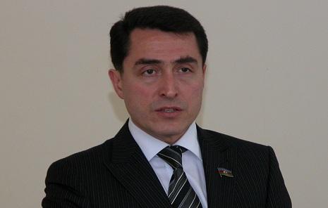 """""""Heç kim vətəndaşlıqdan məhrum edilə bilməz"""" – Əli Hüseynli"""