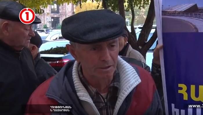 İrəvanda əlil pilotlar da etiraza qalxdılar - VİDEO
