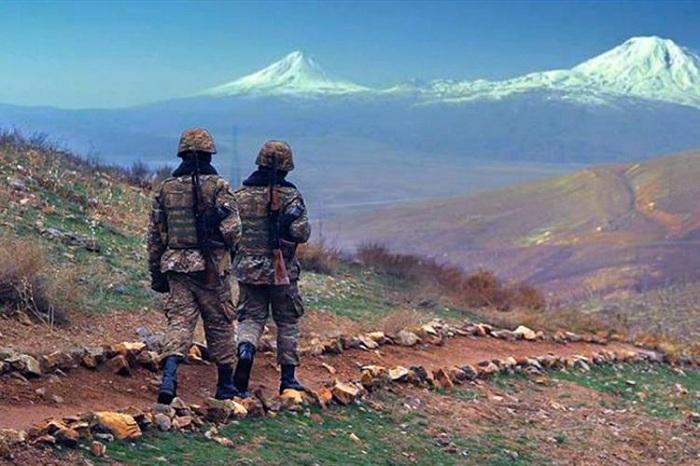 Ermənistanda çavuş hərbçi yoldaşını güllələyib - (VİDEO)