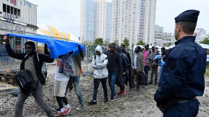 2.459 personnes évacuées des campements dans le nord de Paris