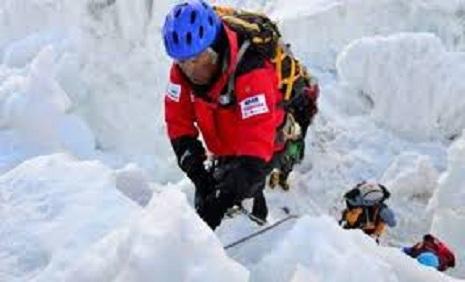 Everestdə 200 meyit tapıldı - FOTO