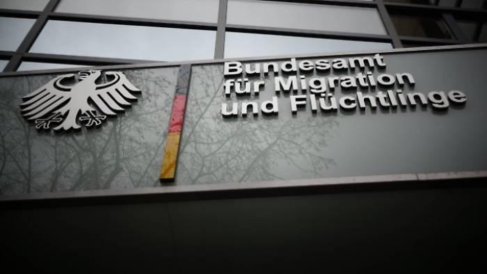 """Flüchtlingszahl sinkt unter die """"Obergrenze"""""""