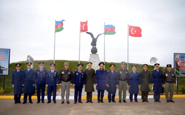 Turkish General visits air bases of Azerbaijani Air Force - PHOTOS