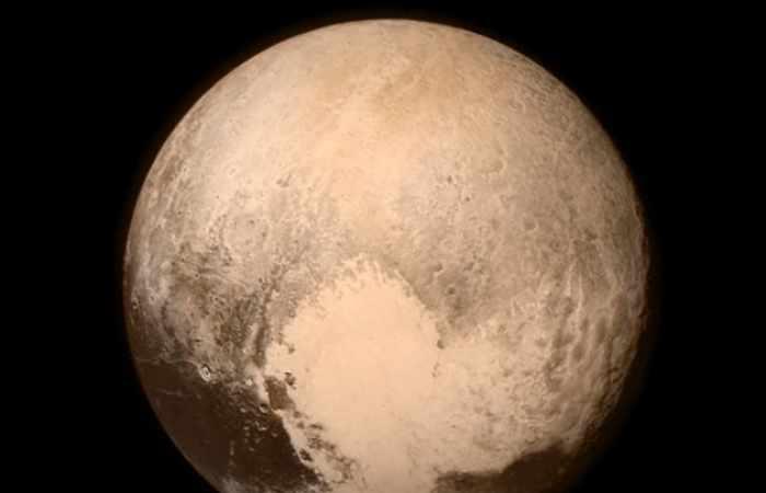 Forscher wollen Pluto Planeten-Status zurückgeben