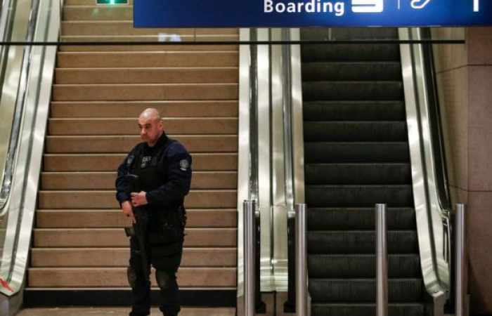 Orly airport: Attacker phoned father to say 'I screwed up'