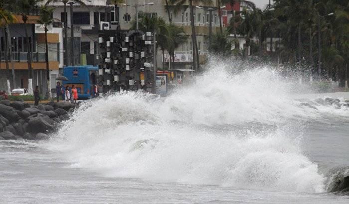 Franklin se convierte en huracán e impactará en México