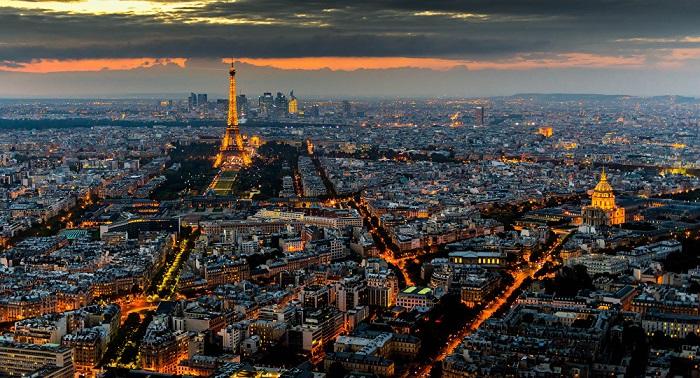 Fransa internet vergisi tətbiq etdi