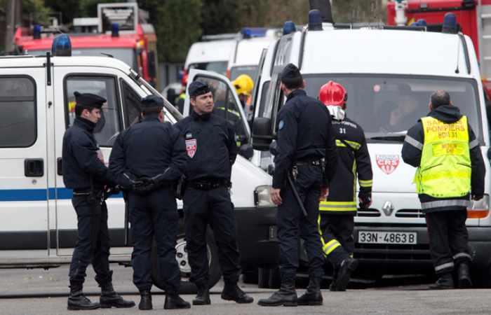 Fransada qorxulu hadisələr baş verir: Polislər güllələndi