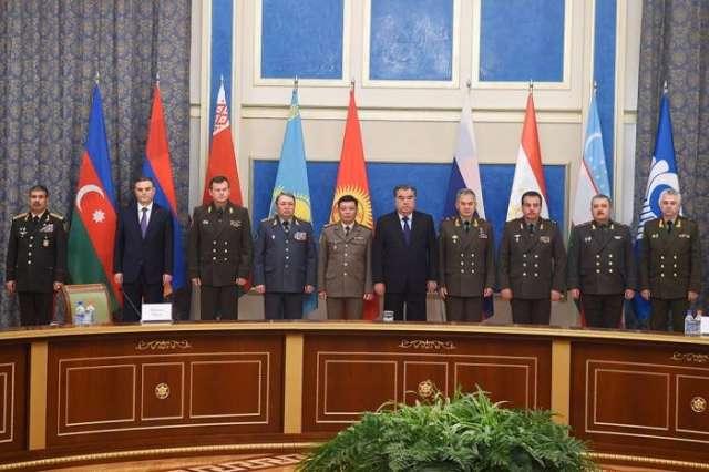 زاكر حسنوف في الاجتماع  برئيس طاجيكستان-تحدثت