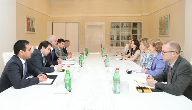 Le Royaume-Uni a investi $25 milliards dans l`économie de l`Azerbaïdjan