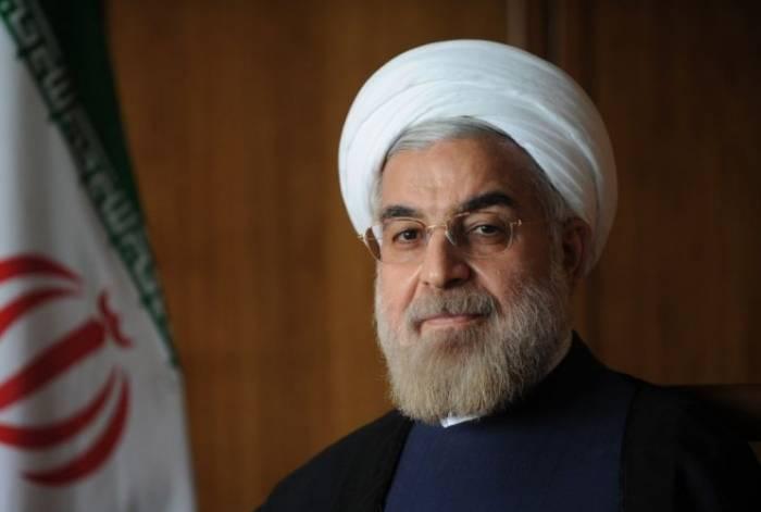 Ruhaninin prezidentliyi məsciddə təsdiqləndi