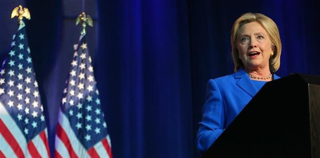 Hillary Clinton aides worried about private email use in 2011