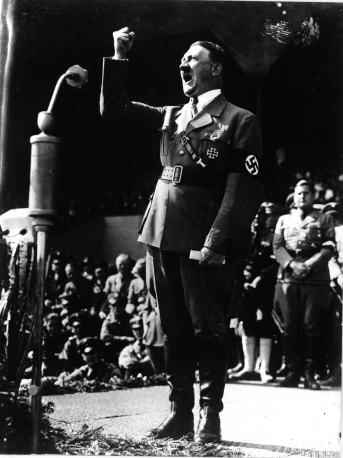 El informe psiquiátrico de Hitler ocultado en el Holocausto que anticipó que se suicidaría