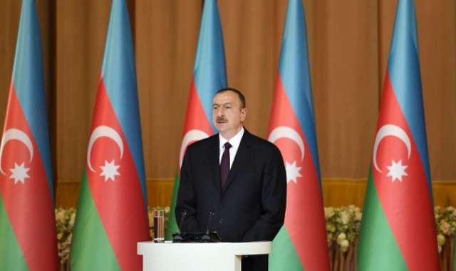 Ilham Aliyev sobre los asuntos de carácter humanitario