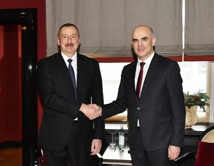 İlham Əliyev Davosda İsveçrə prezidenti ilə görüşüb - FOTO