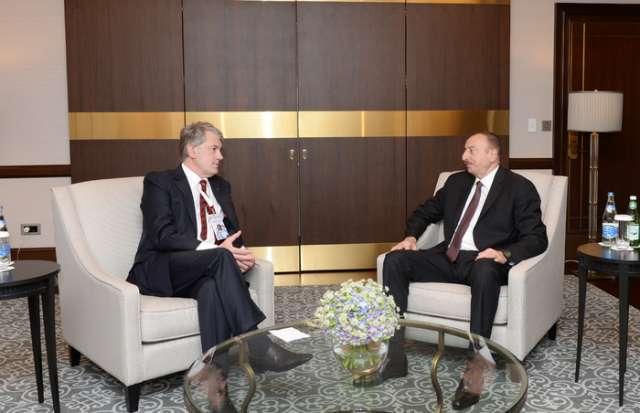 Azerbaijani president receives former Ukrainian president